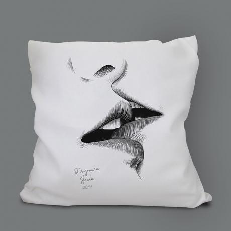 Poduszka USTA dla zakochanych (personalizowana)